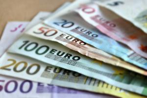 Снимка: Оставиха в ареста петима от задържаните за разпространение на фалшиво евро