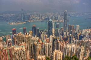 Повече от 130 хиляди души в Хонконг формираха