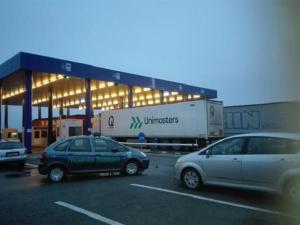 Близо 10 километра достигна опашката от камиони, чакащи да преминат