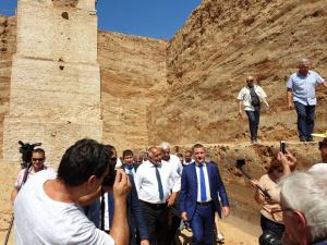 Министър-председателят Бойко Борисов посети археологическите проучвания на най-голямата надгробна могила