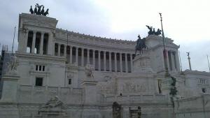 Джузепе Конте ще остане премиер на Италия, а доскорошните противници