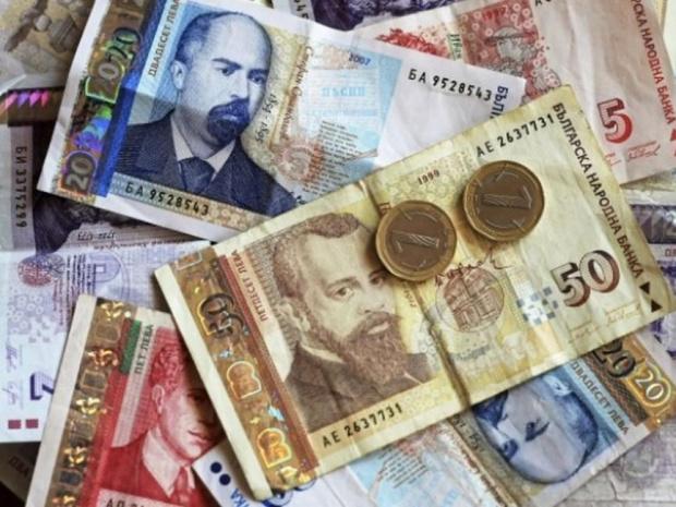 Средната заплата в София удари 1724 лева