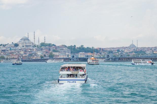 Ферибот тръгва към блокираните туристи на гръцкия остров Самотраки
