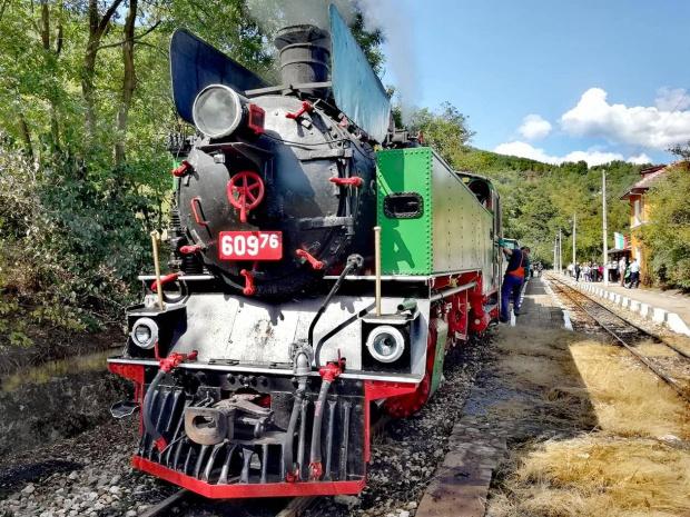БДЖ организира пътуване с парен локомотив между Септември и Велинград за Дена на Съединението