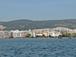 От 1 септември поевтиняват туристическите услуги в Гърция, съобщава БНР.