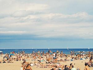 Спад от 13,7% на туристите по Южното Черноморие този сезон