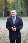 Проф. Слатински: Простотията, облечена във власт, опростачва обществото