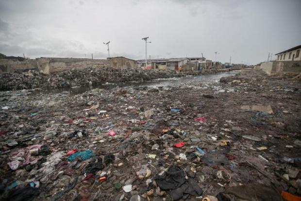 На Бахамите продължават да търсят 2500 изчезнали след урагана