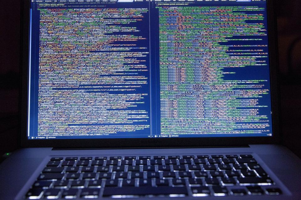 """Държава и бизнес обявяват съвместна """"война"""" на хакерските атаки"""