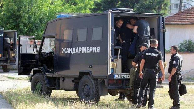 Специализирана операция на полицията в Нова Загора срещу наркоразпространението. Това