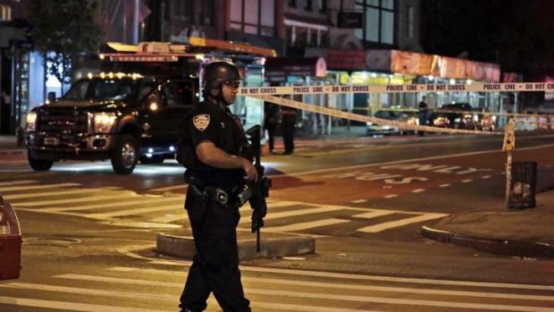 Един човек е убит, а петима други са ранени при