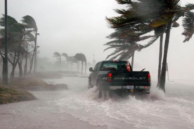 """Снимка: Наводнения в Тексас след """"Имелда"""", четирима загинаха"""