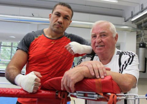 Уволниха треньора на Кубрат Пулев