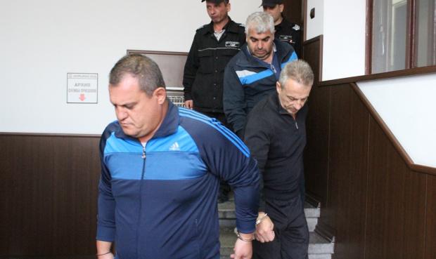 Тримата инспектори от автомобилната инспекция, обвинени във взимане на подкупи