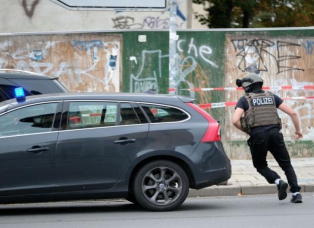 Двама неизвестни откриха огън близо до синагога в германския град
