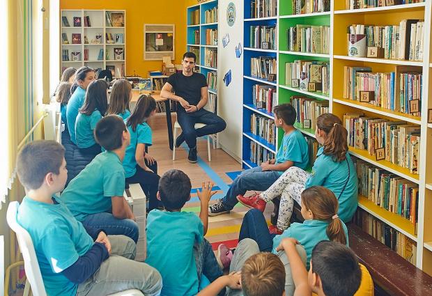 Месец след официалното откриване на първите COOL библиотеки в София,