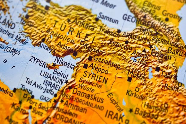 Турската армия е подновила атаките срещу кюрдските отряди в град