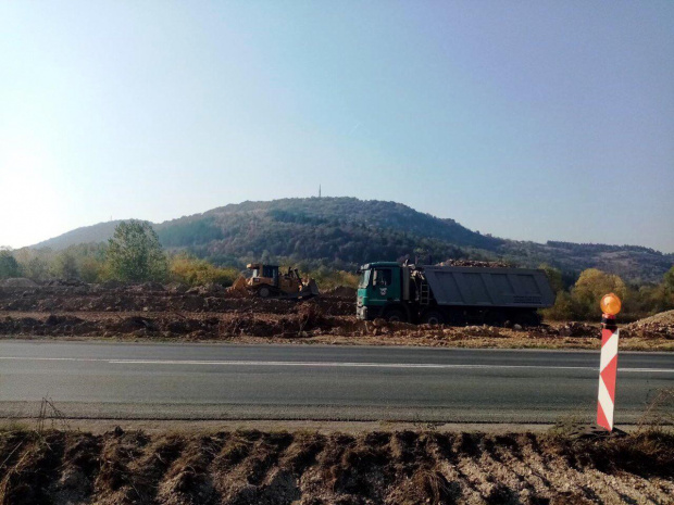 Стартира поетапното строителство на 13,4 км от път I-1 (E-79)