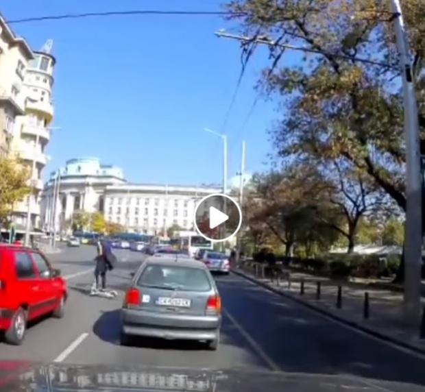 Пореден инцидент с тротинетка в София (ВИДЕО)