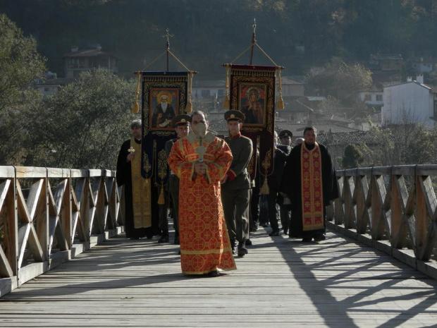 Днес е денят на Свети Димитър - православен светец. В
