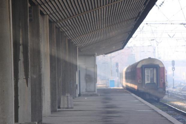 Снимка: Преминаването към зимно часово време ще забави 13 пътнически влака тази нощ
