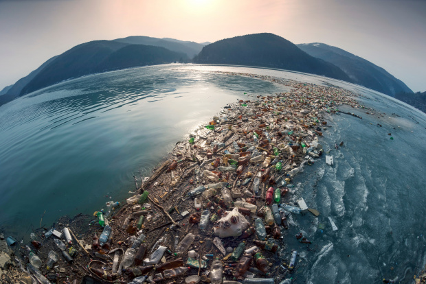 Изчислено е, че до 2050 г. теглото на пластмасата в