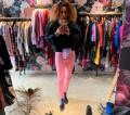Любимата танцьорка на Слави Трифонов се покри в Русе, продава дрехи