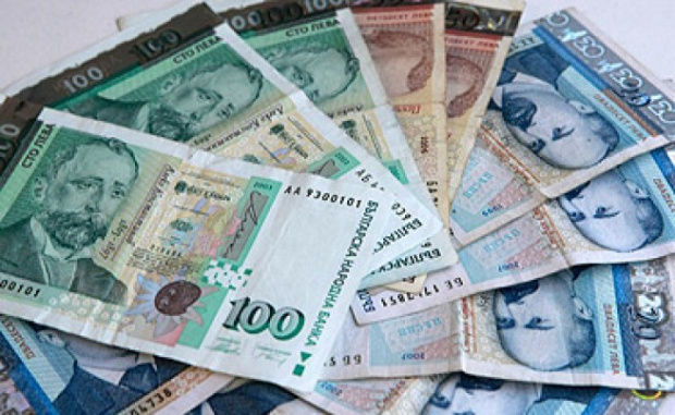 Малко над 485 000българи ще получават по-висока заплата от 1