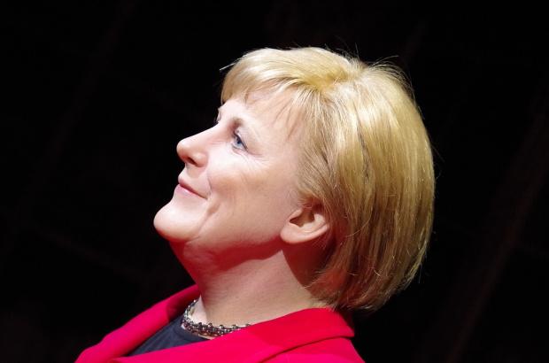 30 години след стената: Меркел призова Европа да брани демокрацията