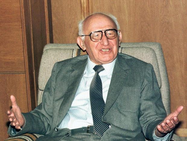Преди точно 30 години Тодор Живков падна от власт, а България пое по нов път
