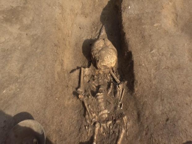 Археолози откриха 6 гроба от IV век в Созопол