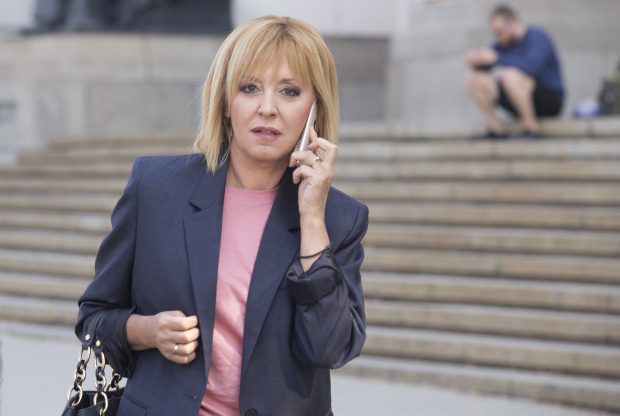 Мая Манолова внася искане за касиране на изборите за кмет