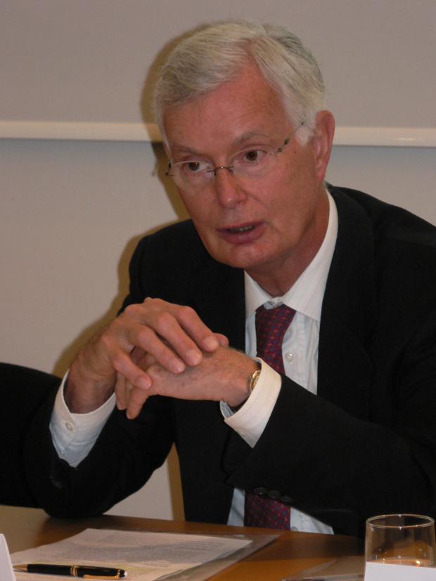 Проф. д-р Вернер Валдхойзъл е член на Европейската асоциация за