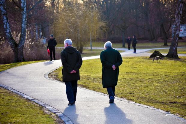 За осми път: 40 лв. коледни надбавки за пенсионерите