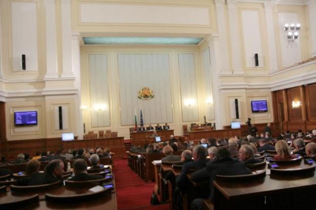 БСП ще предложи преди второто четене на държавния бюджет за