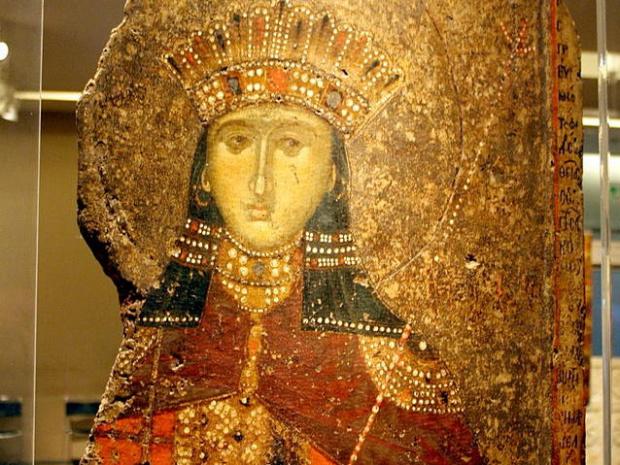 Света великомъченица Екатерина е християнска светица и мъченица, една от