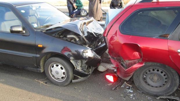 Снимка: Пет коли се нанизаха на пътя Казанлък-Стара Загора, жена пострада
