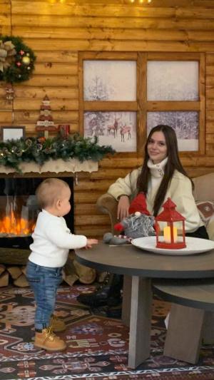 Само в Novinite.bg! Внукът на Доган стана на 1 годинка, показаха го с майка му - Памела