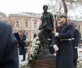 Президентът Румен Радев почете паметта на Никола Вапцаров