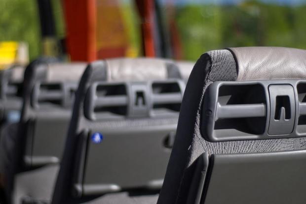 Снимка: Мъж открадна автобус и помете три коли в Русе