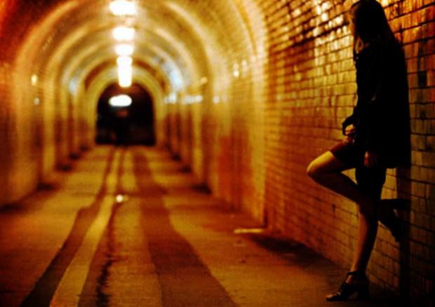 Трима българи закараха умствено изостанала в Испания и я заставиха да проституира