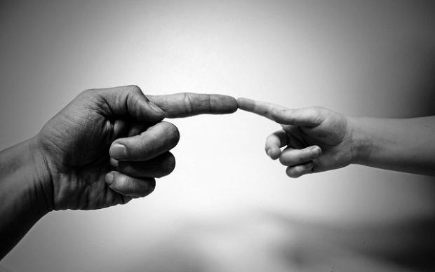 Обвиниха шестима румънци в изнасилване на собствените им деца