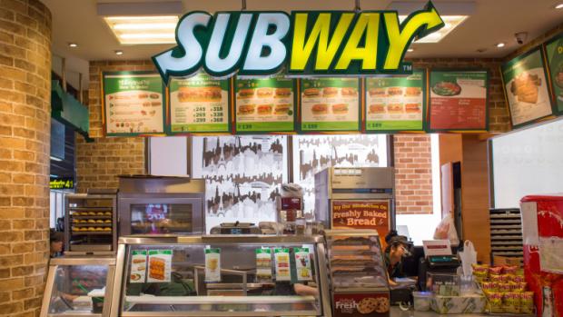Протести в Европа: Subway избягва отговорностите си за хуманно отношение към животните