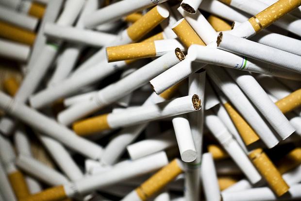 Снимка: Удариха цигарената мафия в Пловдив, задържаха машини за милиони