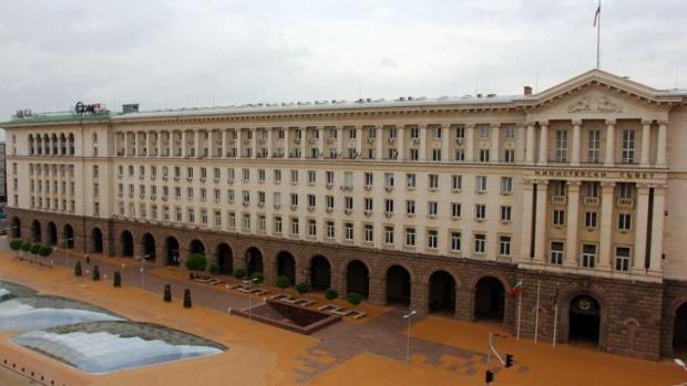 В 9:00 часа започна извънредно заседание на Министерски съвет. Правителството
