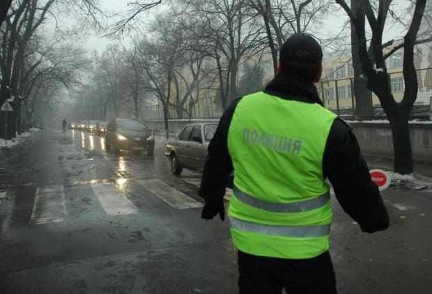 Снимка: Поледици затрудняват движението по редица пътища