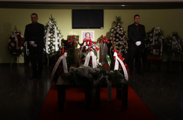 Хилядно множество на поклонението пред Кралицата на комедията - Стоянка Мутафова