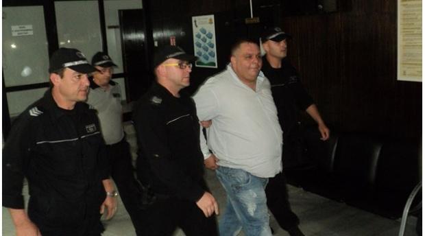 """Сводникът от Благоевград Мартин Филипов """"Дебелия"""" е нападнал надзирател в"""