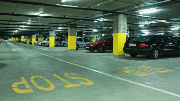 Столична община въвежда днес безплатни буферни паркинги за всички, които