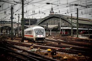 Започна модернизацията на жп гара Казичене